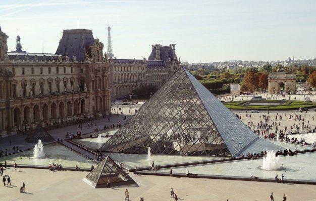 vizita In Paris